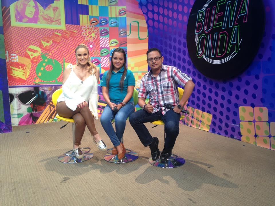 Visita a programa de Televisión Buena Onda